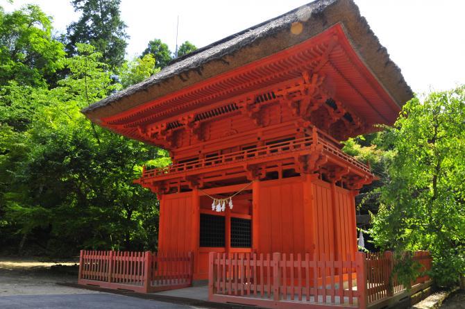 六殿神社の楼門 熊本市南区